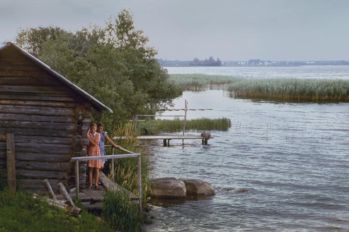 У озера - Валерий Талашов