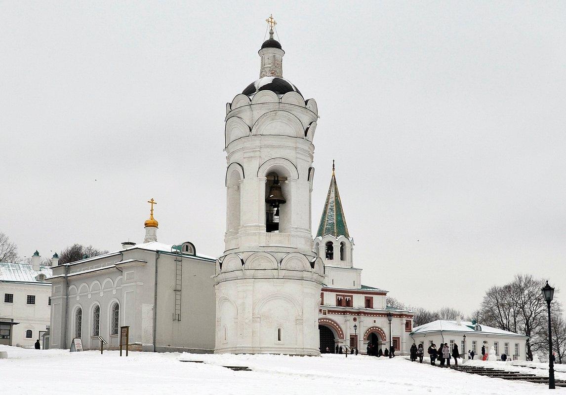 В Коломенском - Владимир Болдырев