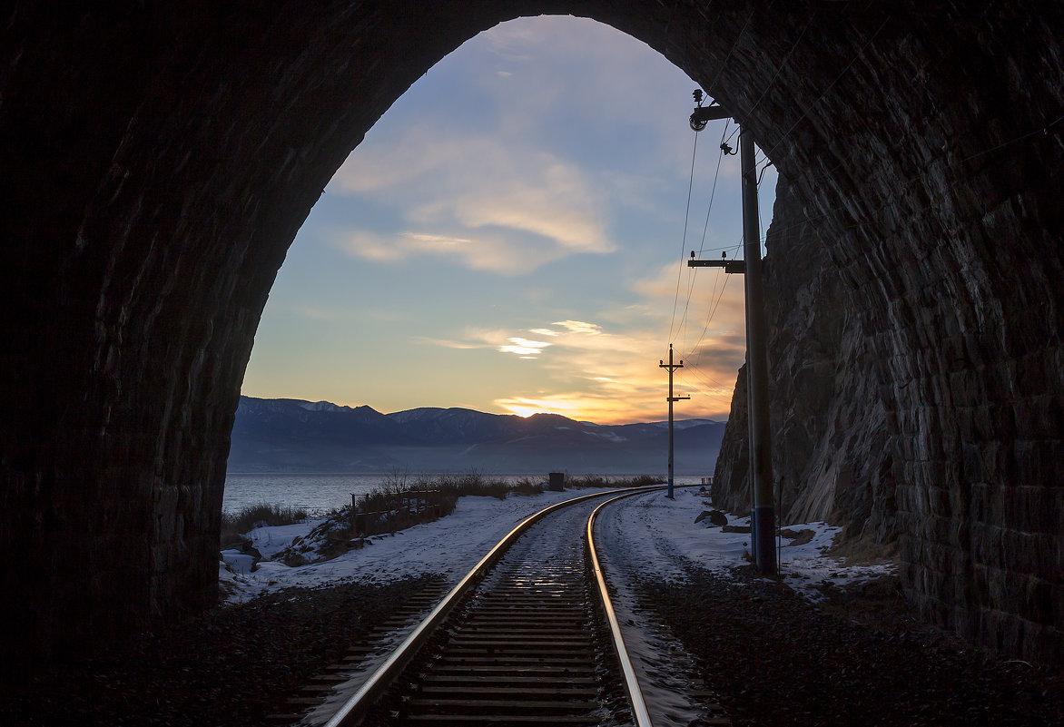 Вид из тоннеля - Анатолий Иргл