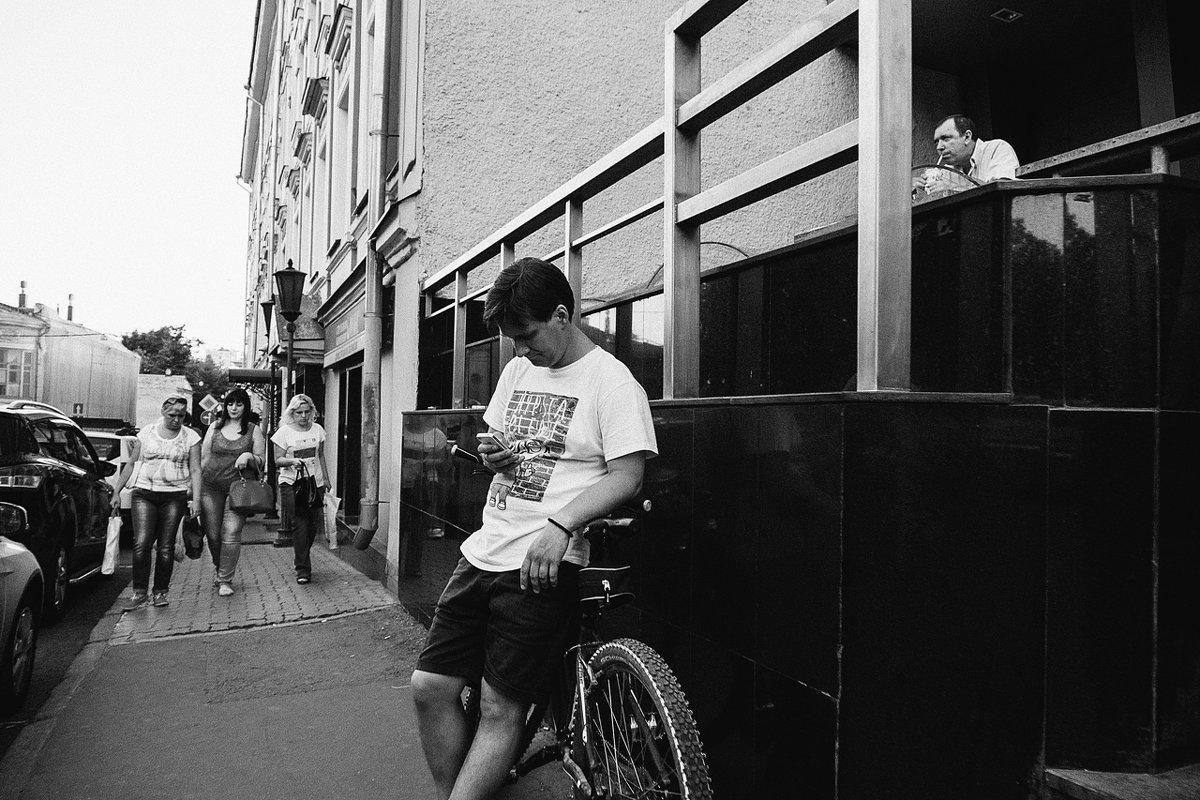 велосипед в городе - Артемий Кошелев