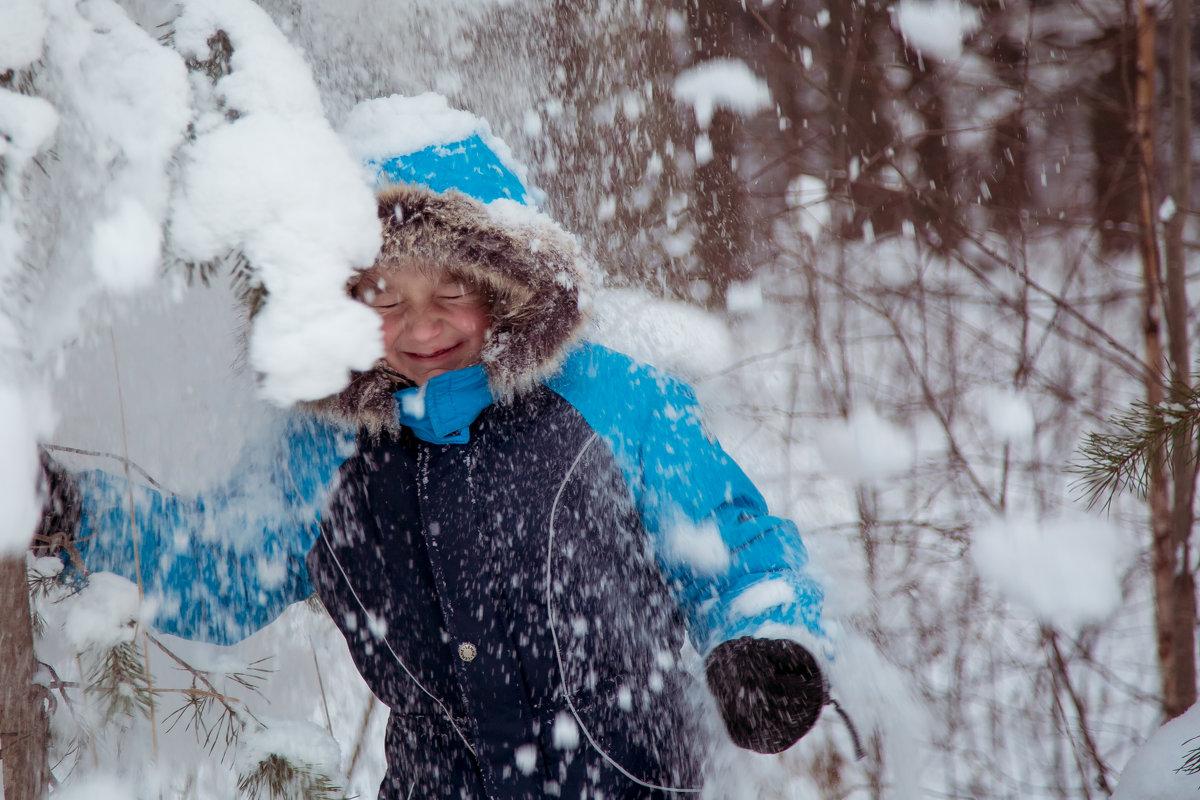 Снег - Александра Гущина