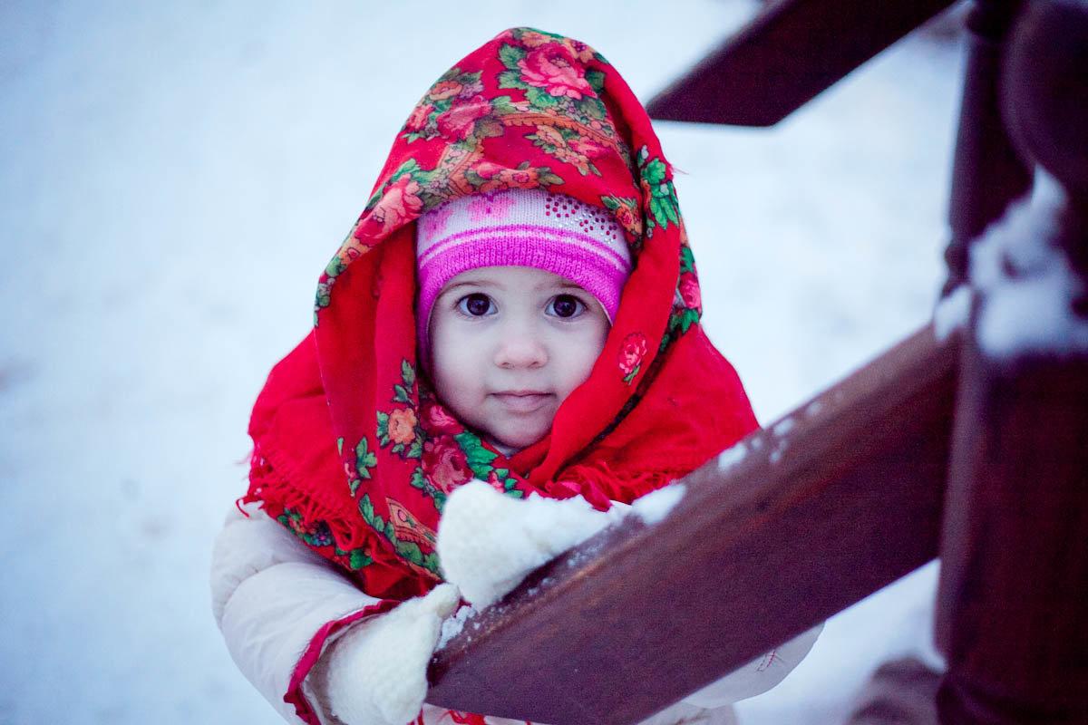 девочка в платке2 - Ксения Лукина
