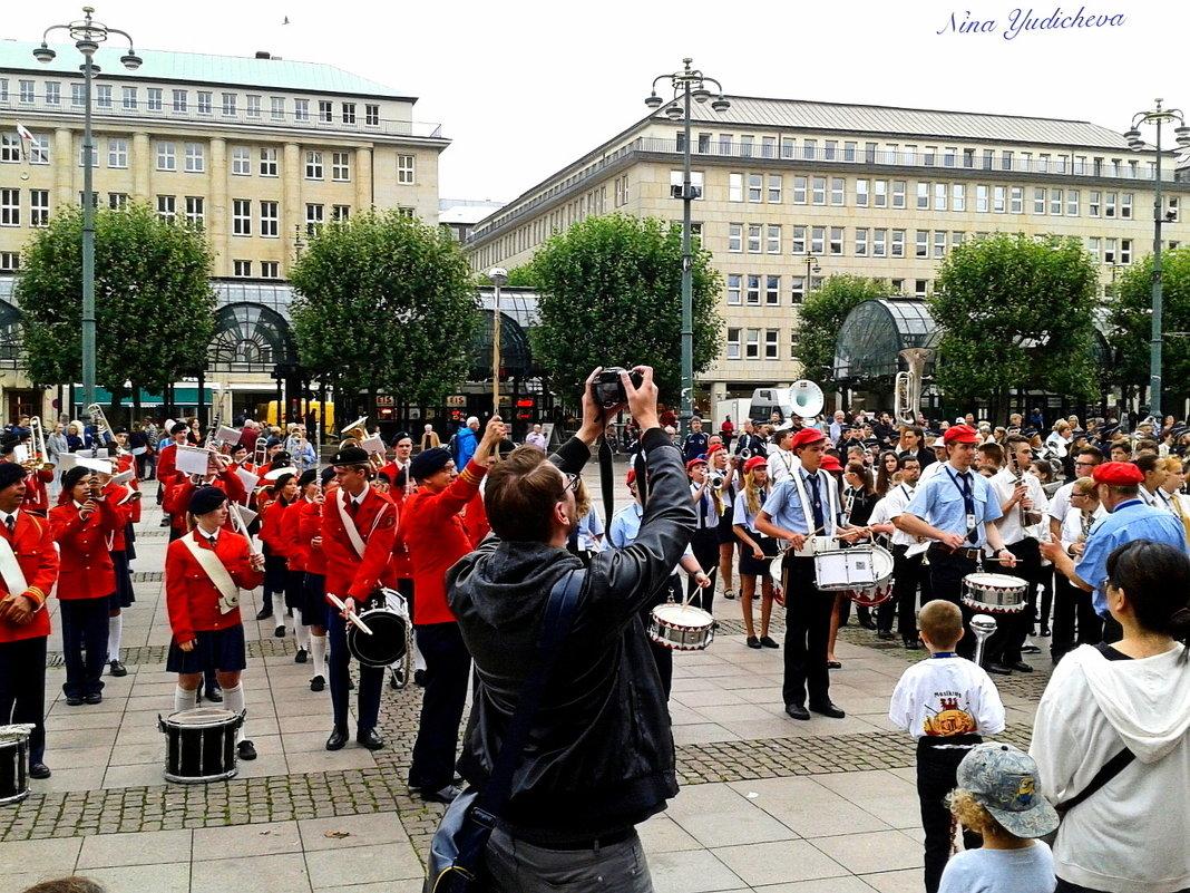 Hamburg. Rathausplatz - Nina Yudicheva