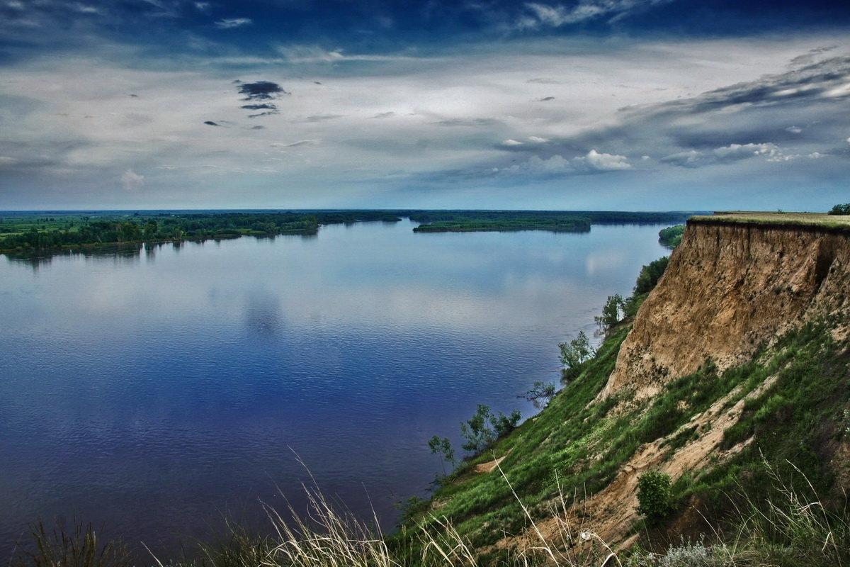 На высоком берегу - Виктор Четошников