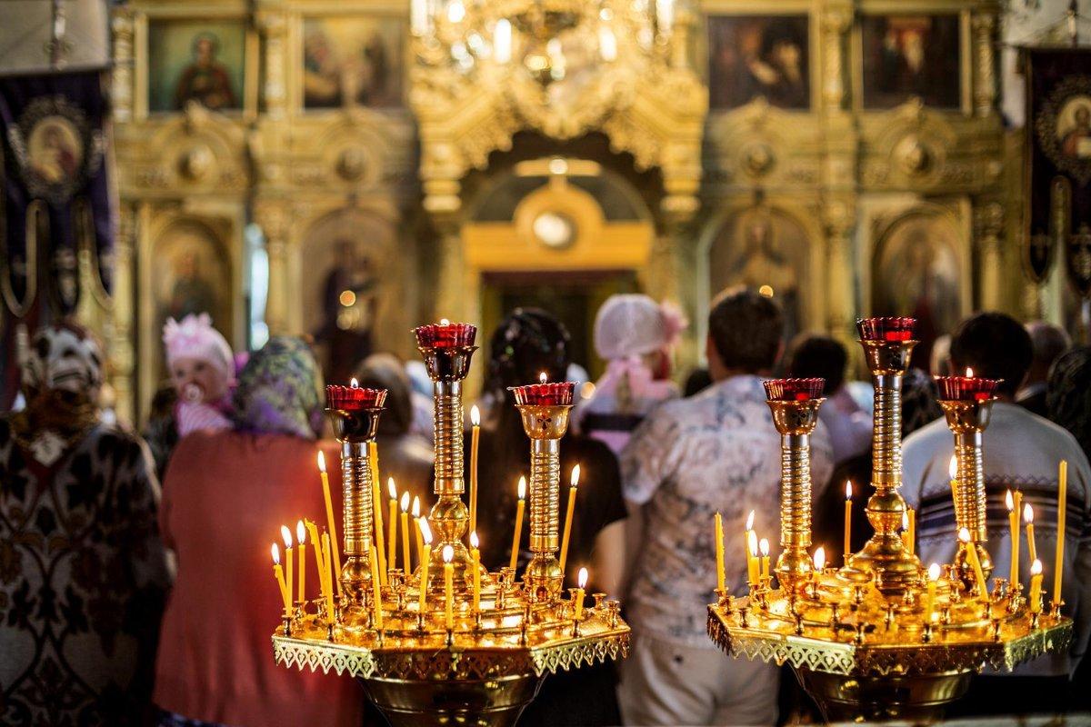 В храме - Владимир