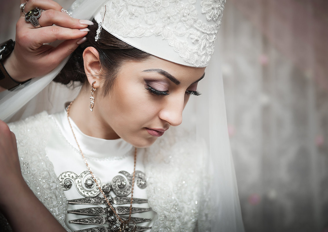 невеста в сборах - Батик Табуев