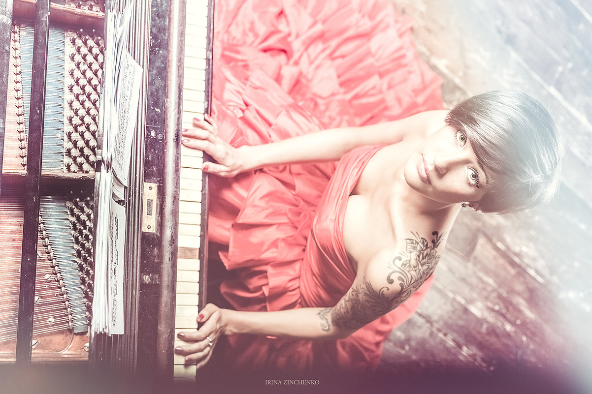 Lady in red - Irina Zinchenko