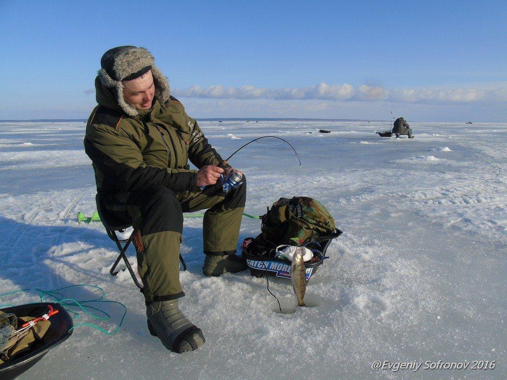 рыбалка на уголок