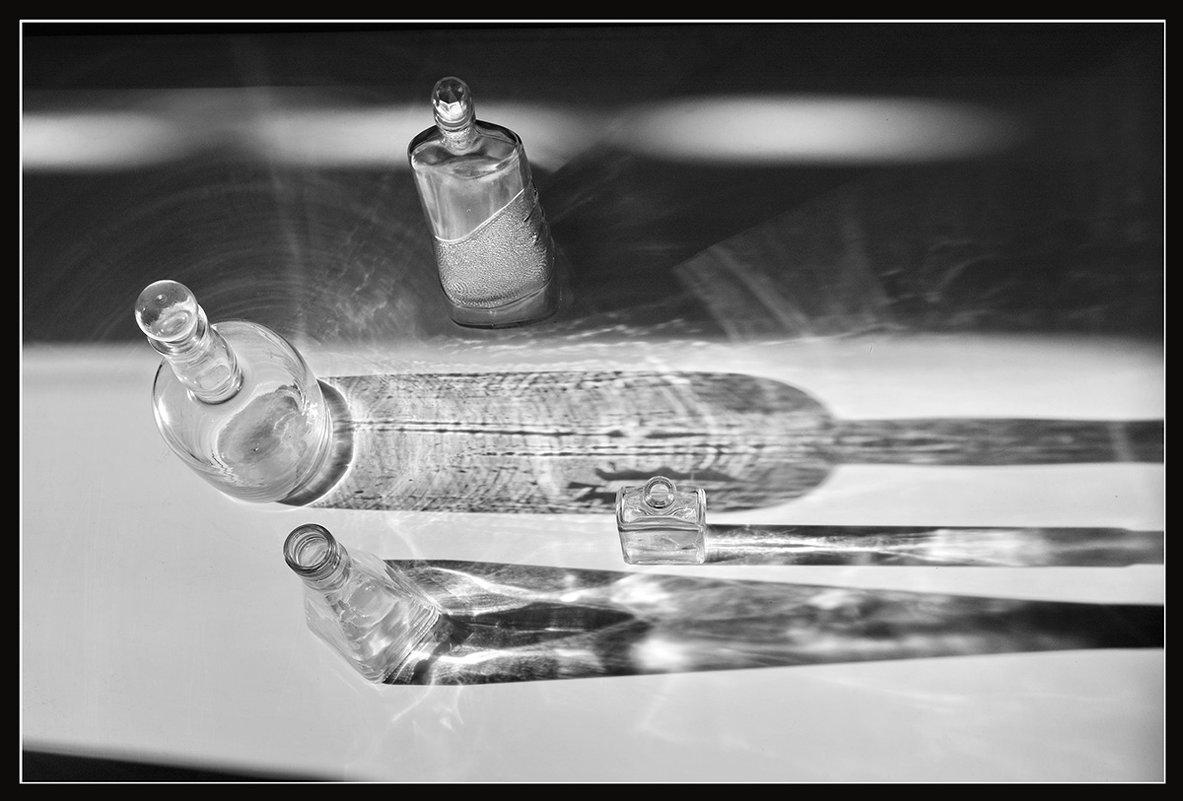 бутылки и тени - Владимир Безгрешнов