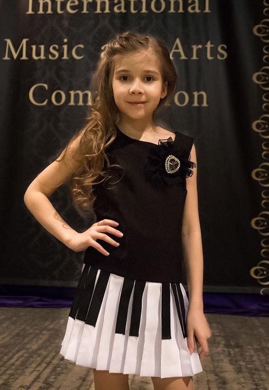 Юная конкурсантка - Ольга Лыкова