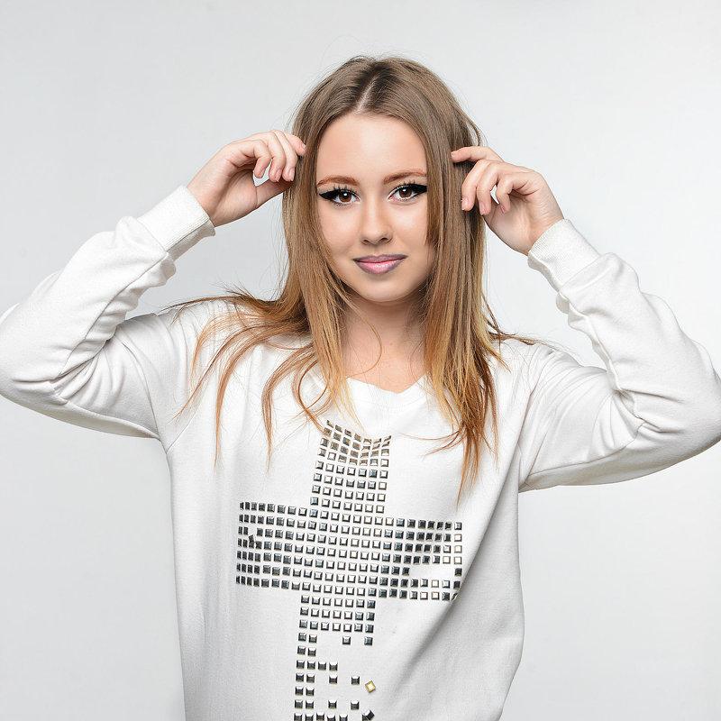 Полиночка... совсем юная модель - Карина Заика
