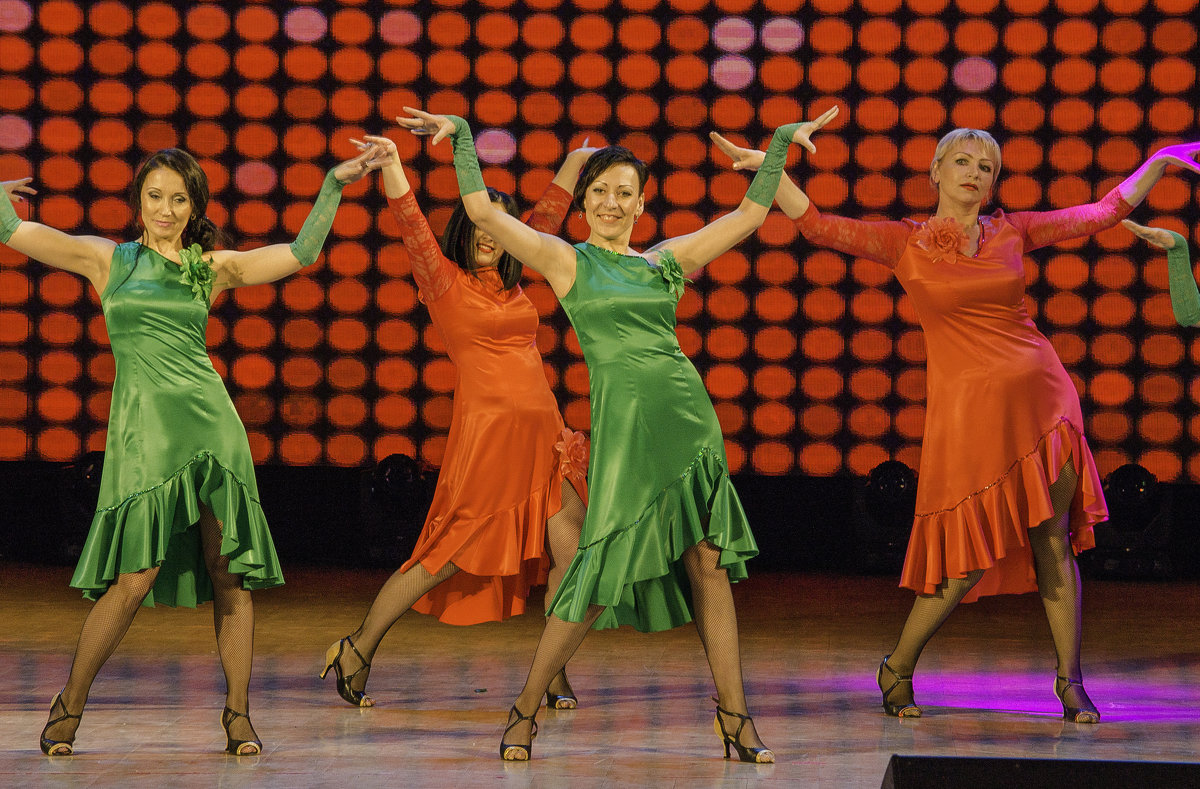 "танцы ""диско"" - Инна"