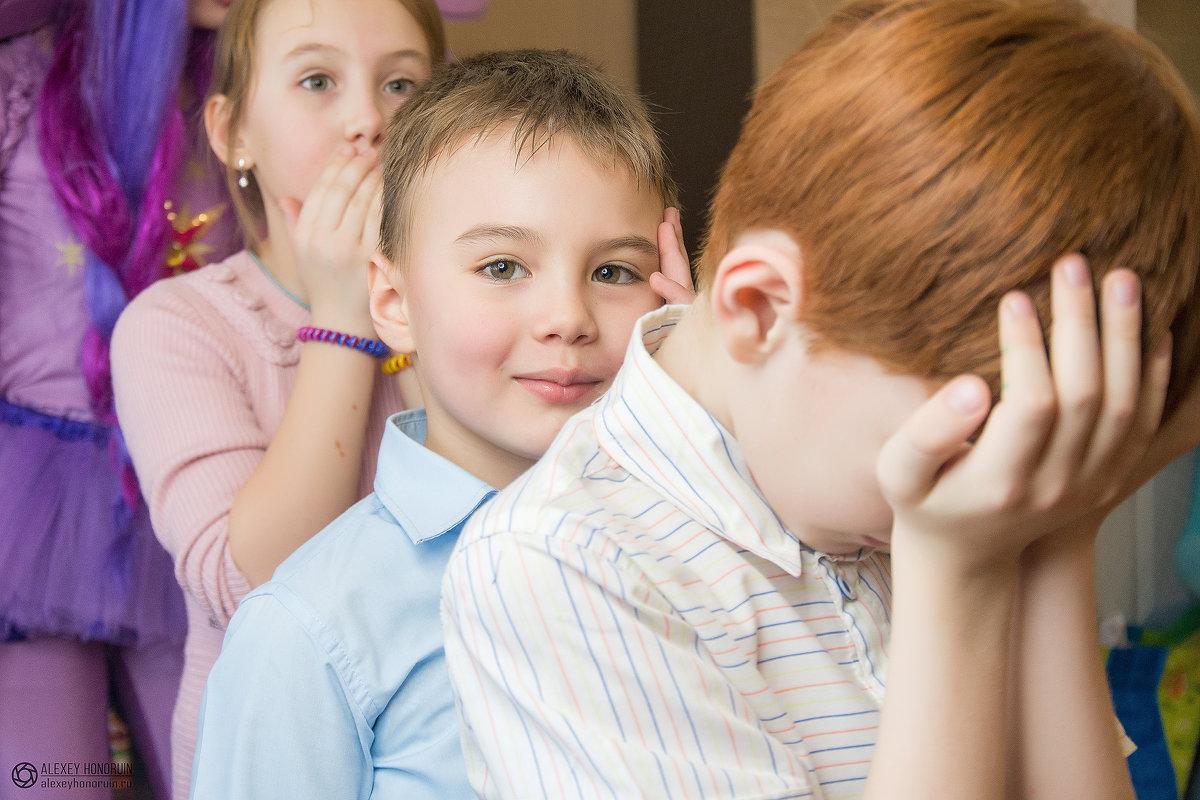 Дети играют - Алексей Хоноруин