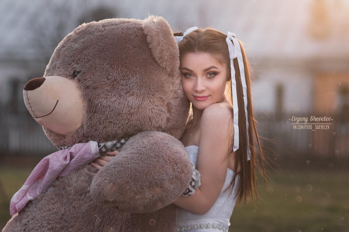 Алиса в стране чудес - Евгений Шевелев