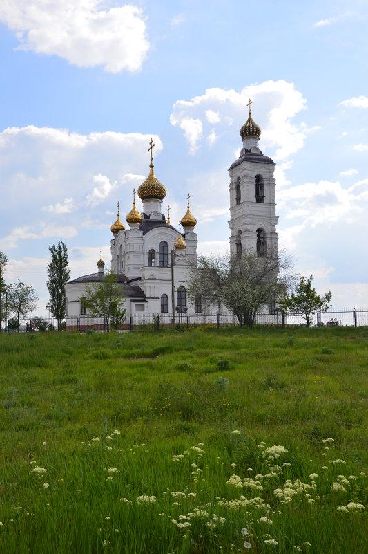 Храм. - Виктор ЖИГУЛИН.