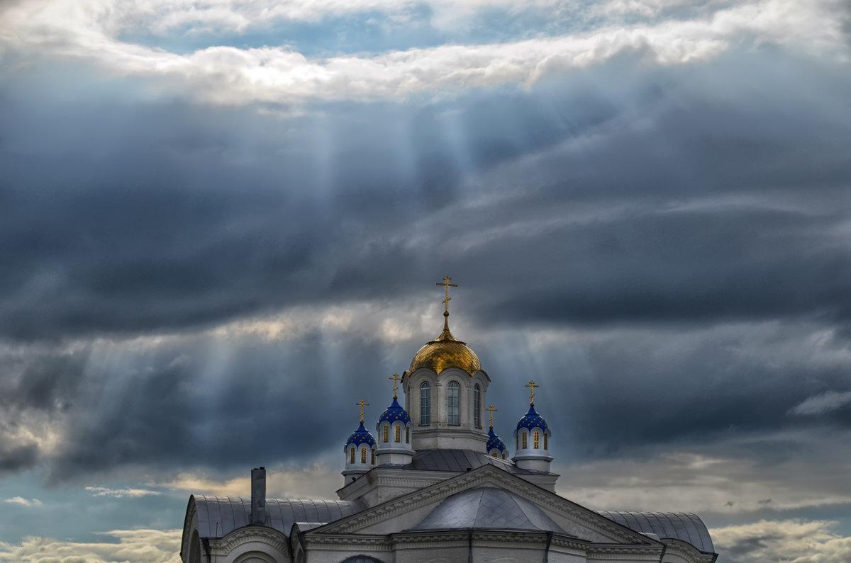 И разверзлись небеса и вошёл свет небесный в храм! - Marina Timoveewa