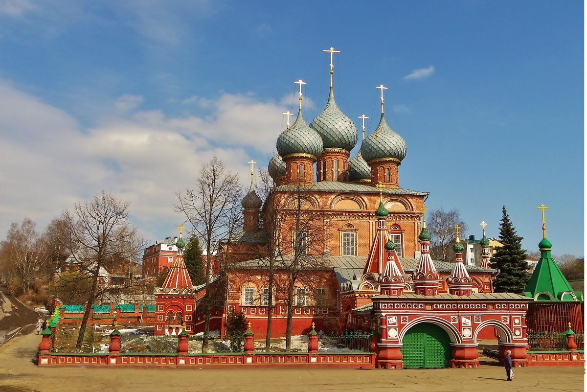 Церковь Воскресения Христова на Нижней Дебре  Кострома - Святец Вячеслав