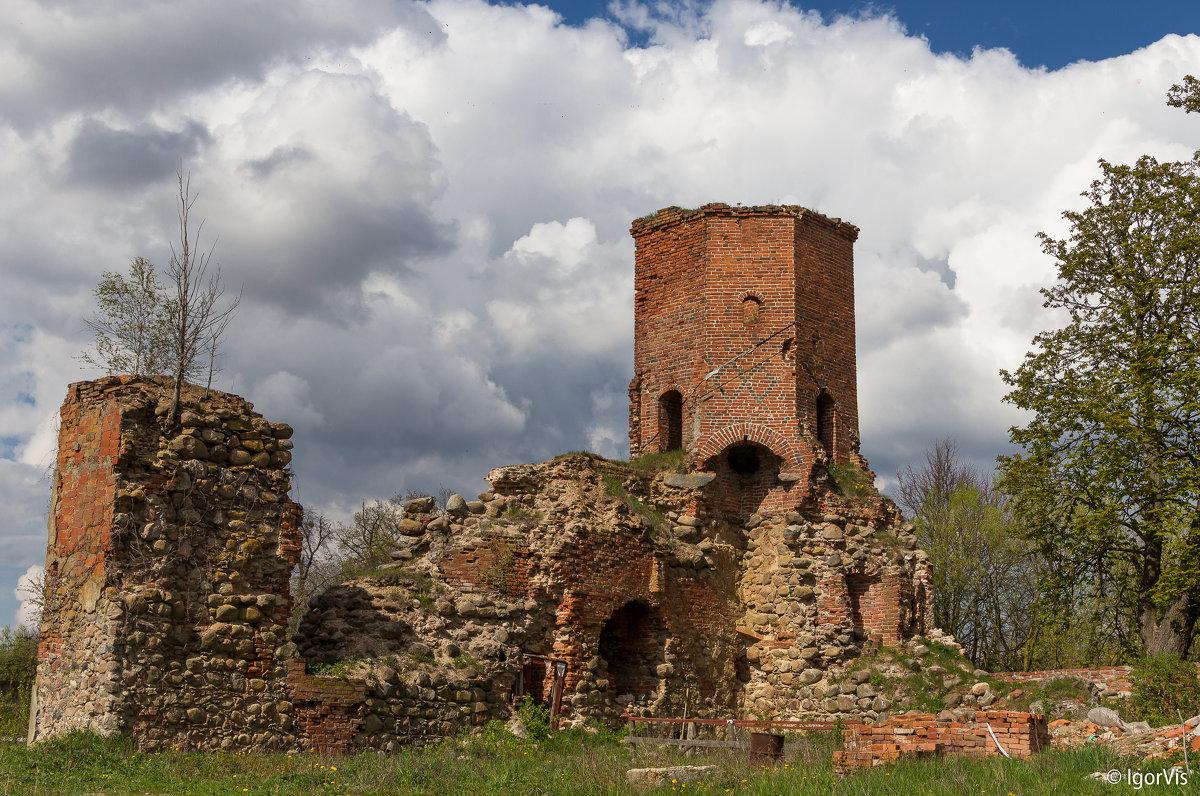 Часть замкового сооружения - Игорь Вишняков