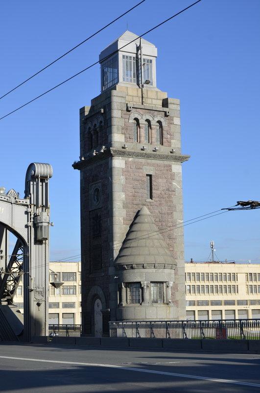 башня разводного механизма Большеохтинского моста - Михаил Радин