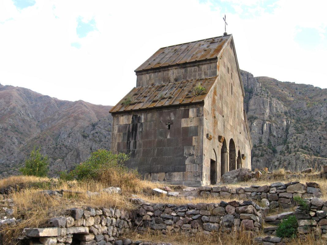 Кафедральная церковь Зорац (1303 год) - Volodya Grigoryan
