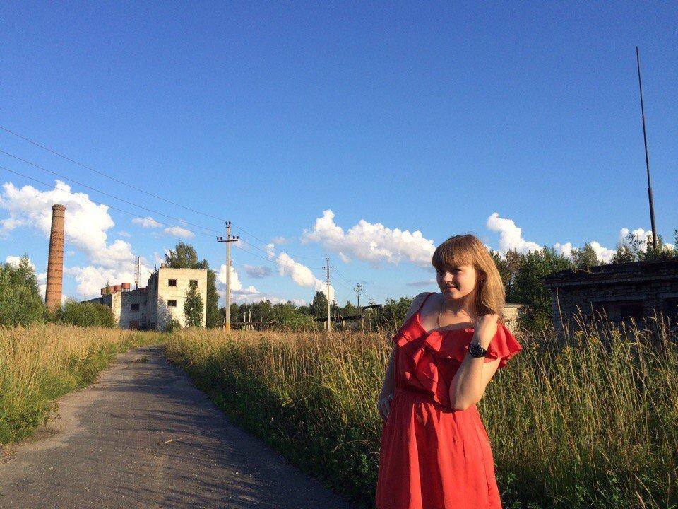 Было в ней чудесное свойство: она свято и бескорыстно верила в хорошее. - Анастасия Фёдорова