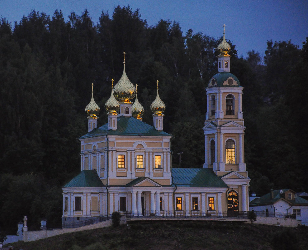 Ночь. Церковь в городе Плес. - Сергей Тагиров