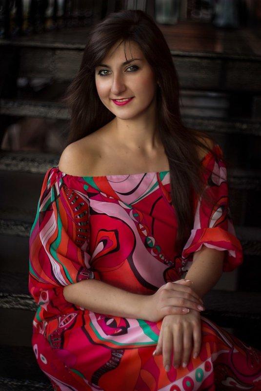 Девушка в красном - Анна Земзерова