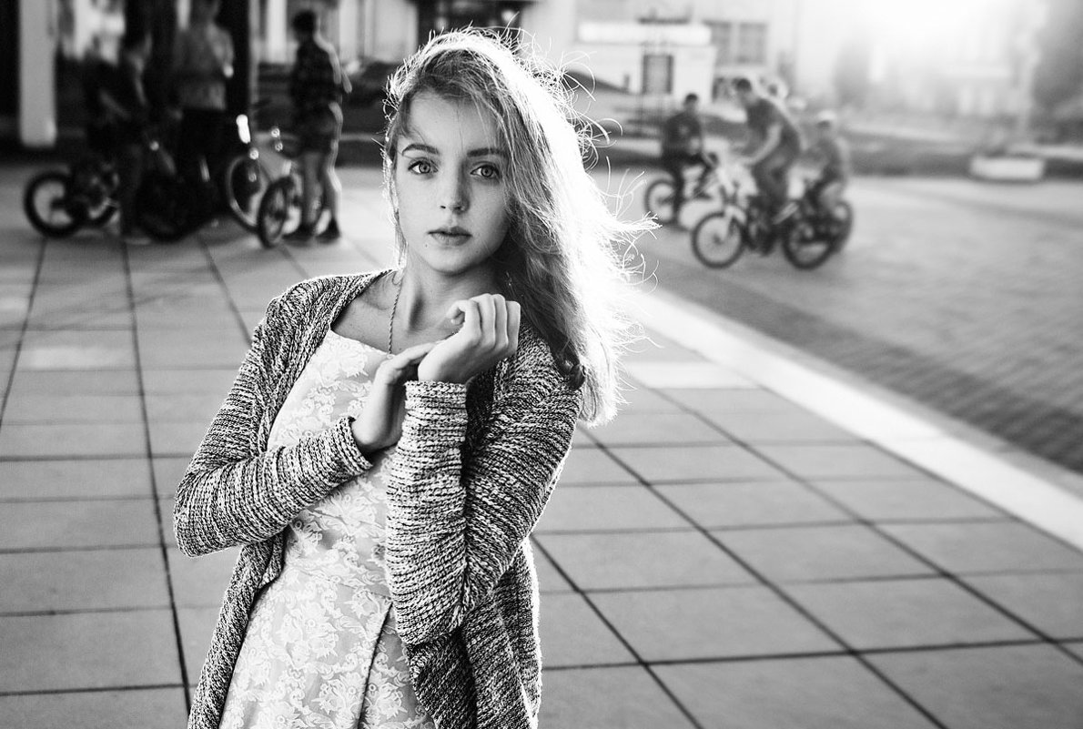 Sunset girl - Katie Voskresenskaia