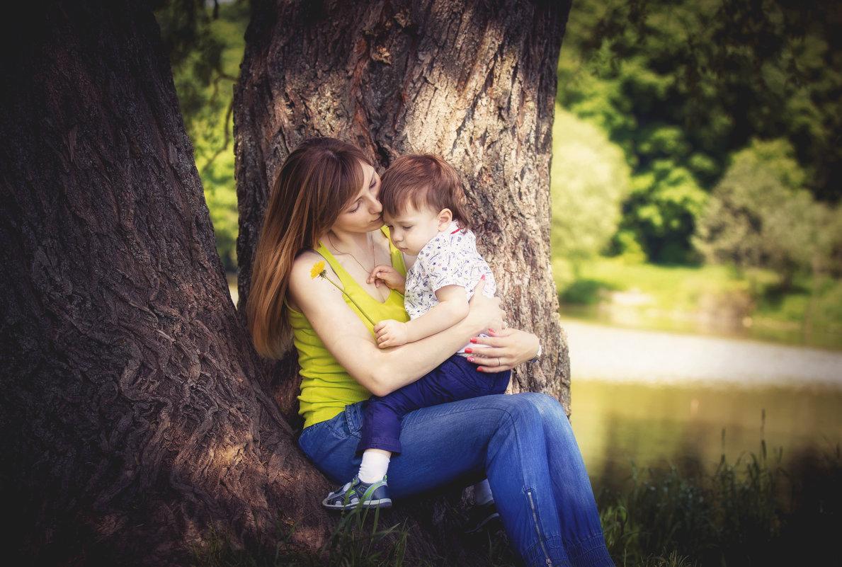 мама и сын - Екатерина Желябина