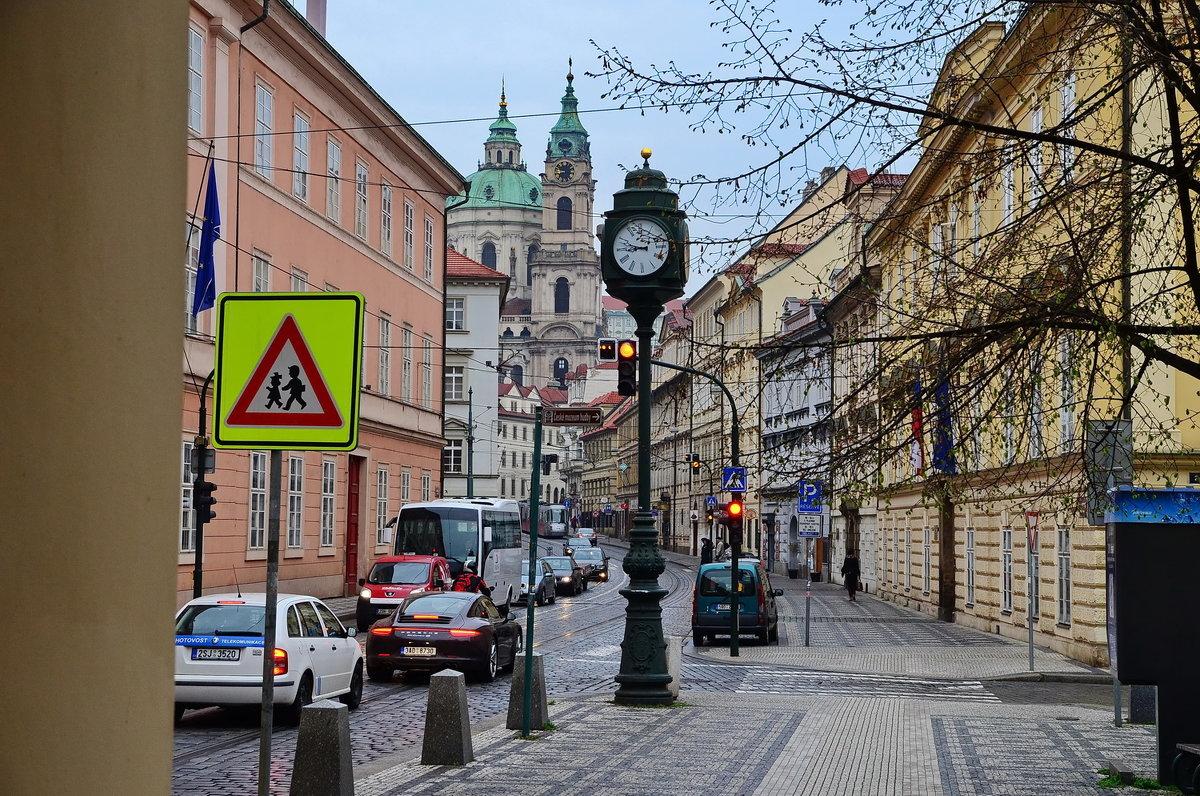 На улице Кармелитская, Прага - Владимир Брагилевский