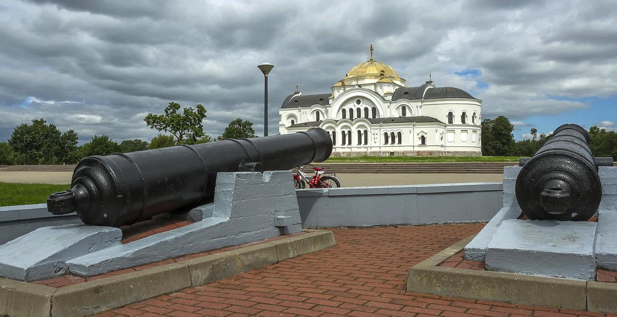 Гарнизонный Свято-Николаевский храм - leo yagonen
