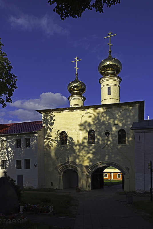 Св. ворота с церковью Вознесения и пределом Федора Стратилата. 1591 - 1593 гг. - Рамиль Хамзин