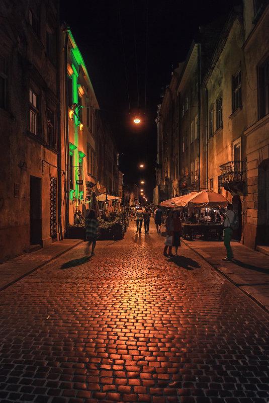 Летняя ночь в переулке. - Mihail Mihaylov