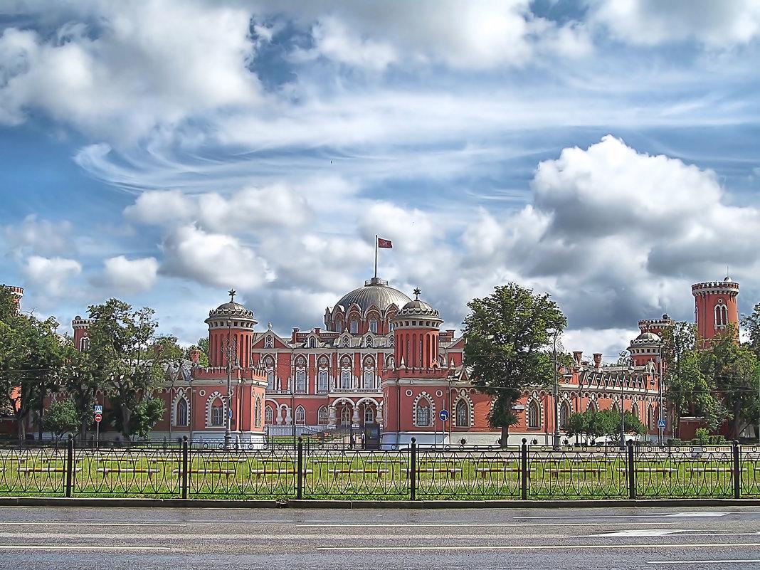 Петровский путевой дворец в Москве. - владимир