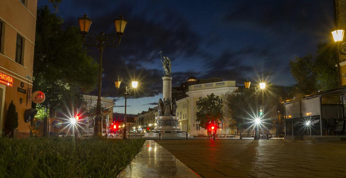 Памятник Тысячелетия Бреста - leo yagonen