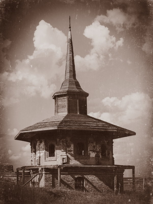 Башня на территории Троице-Гледенского монастыря - -somov -