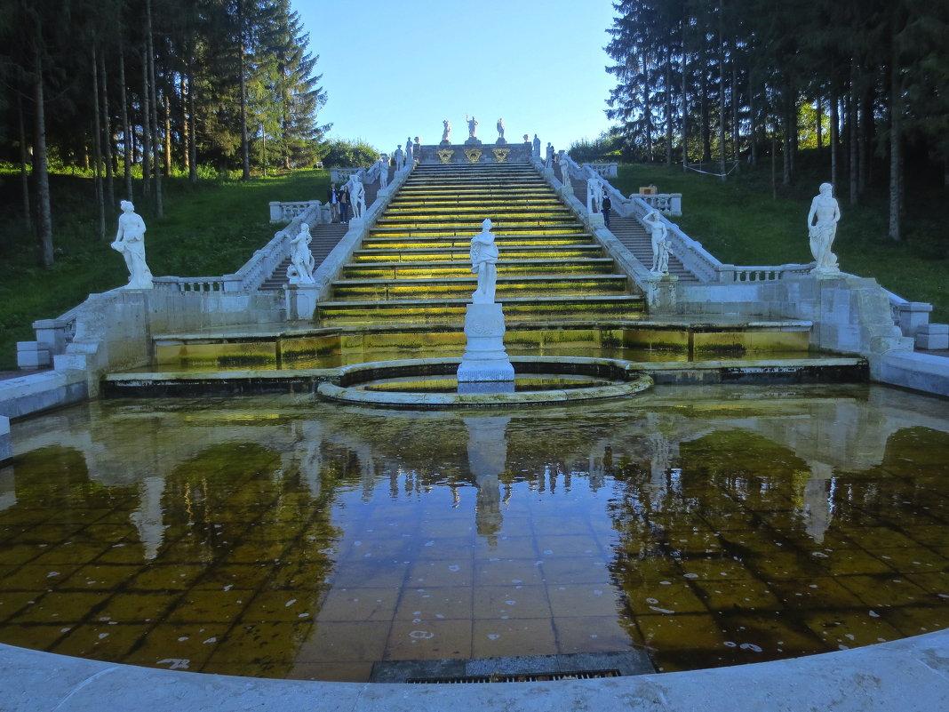 золотой каскад в Петергофе - Елена