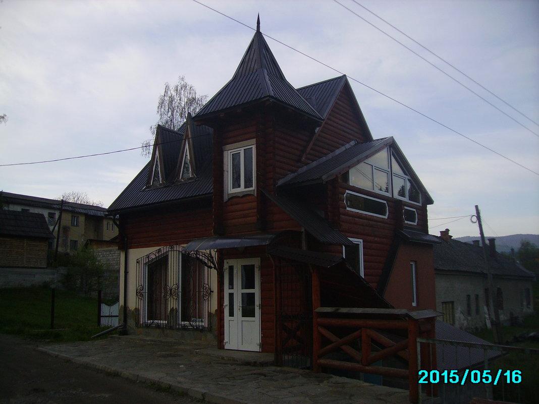 Торговое   здание   в   Ворохте - Андрей  Васильевич Коляскин