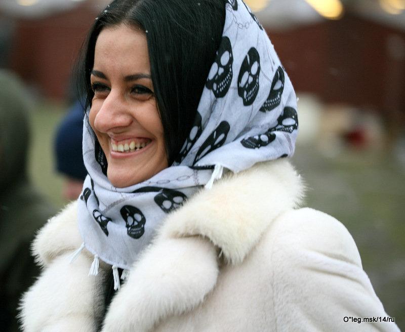 женская улыбка-а - Олег Лукьянов