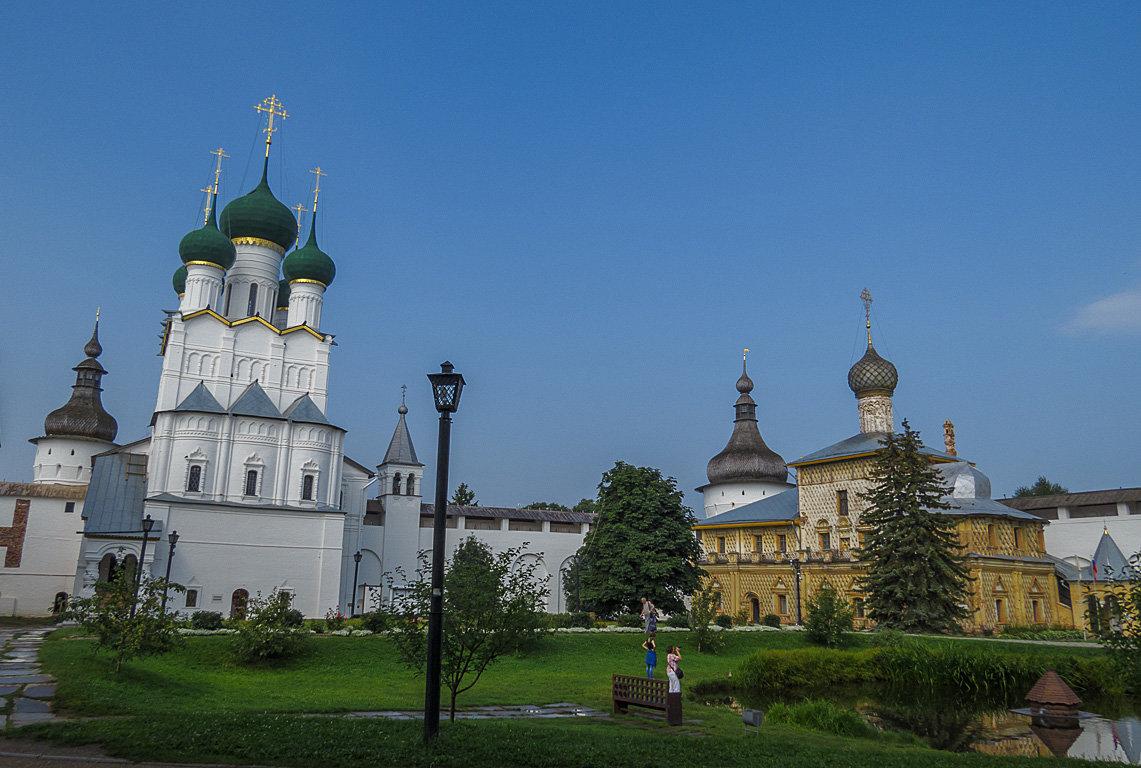 Ростовский кремль,фото на память - Сергей Цветков