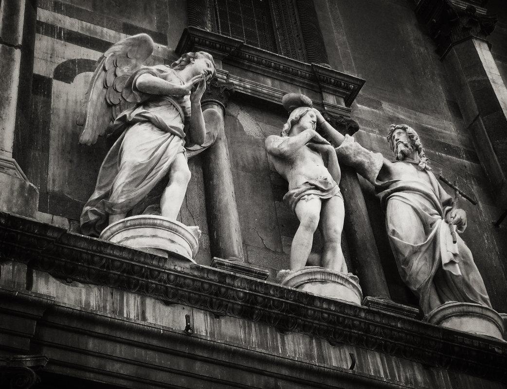 Статуи - Юлиандра