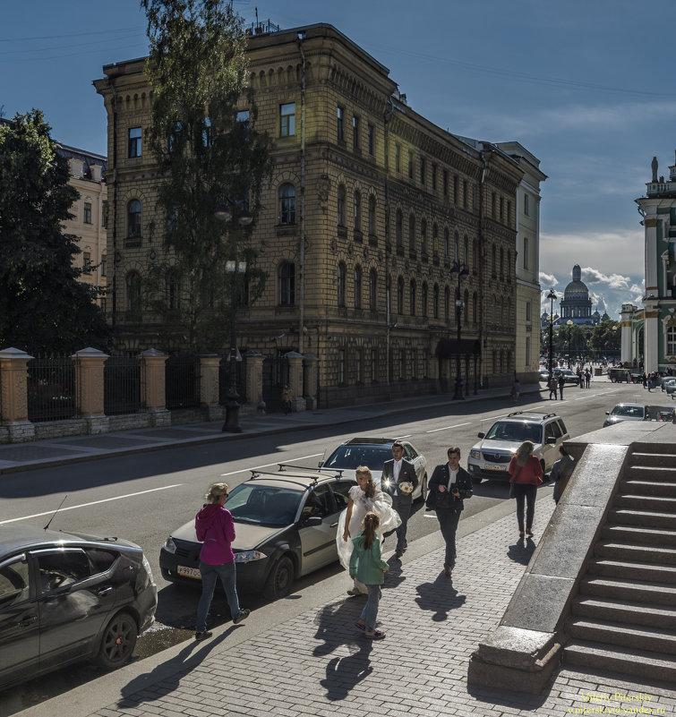 И на Миллионной улице бывают свадьбы - Valeriy Piterskiy