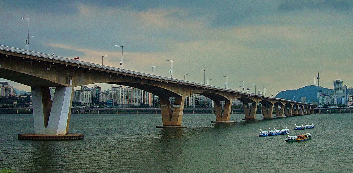 Мост через реку Ханган. - Александр TS
