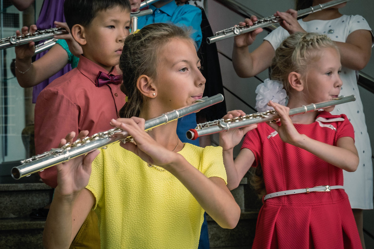 Концерт детского ансамбля флейтистов - Марк Э