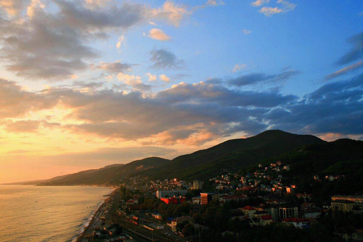 Как хочется туда, где ласковые волны в солёном и лазурном Чёрном море ... - Евгений Юрков