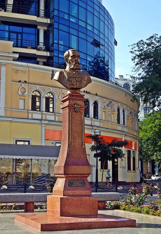 памятник Маразли - Александр Корчемный