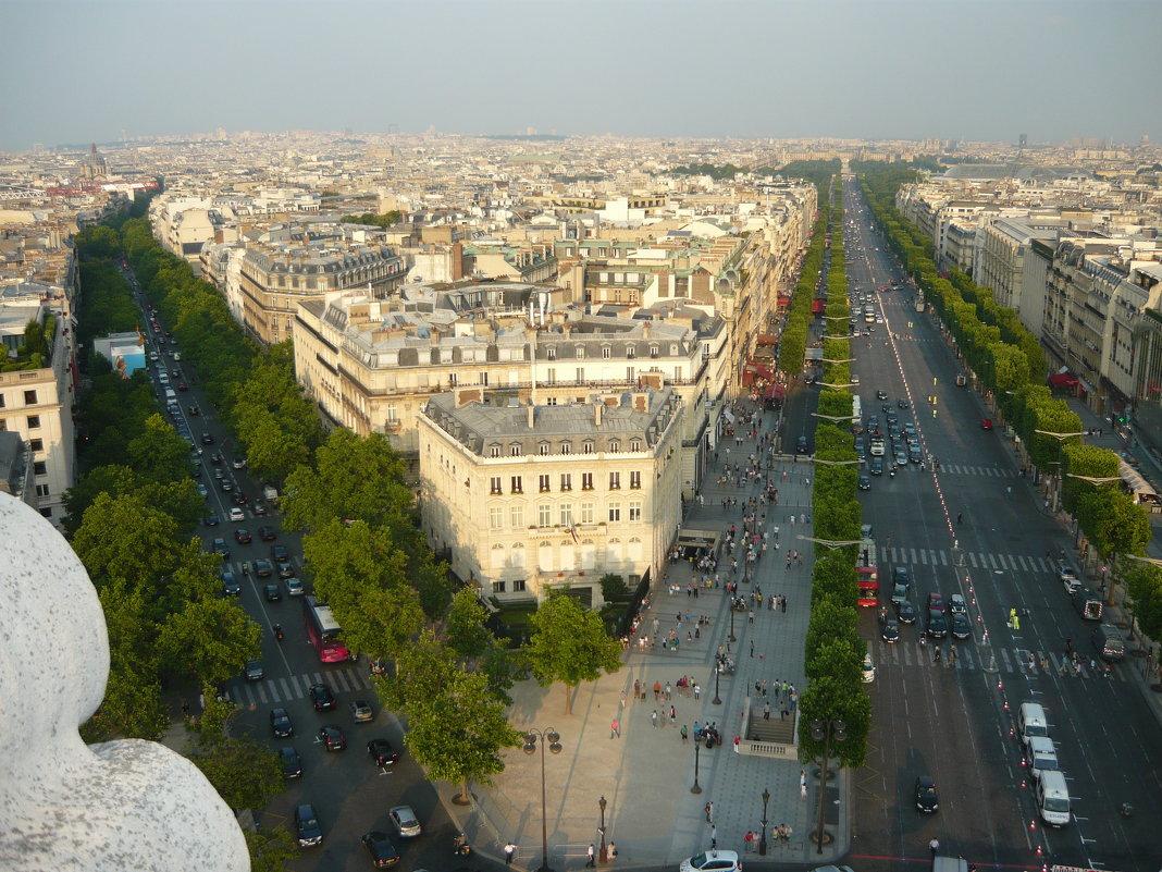 Париж. Вид с триумфальной арки - Надежда