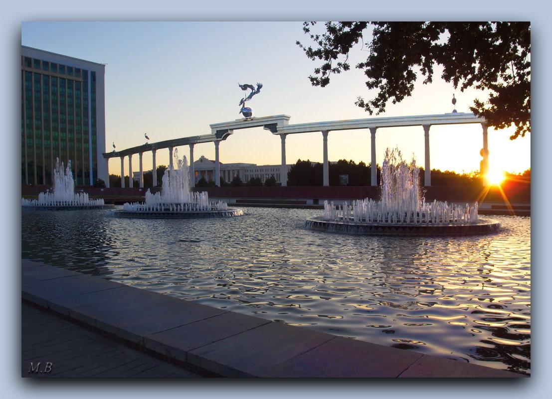 Самое сердце столицы Узбекистана-Ташкента...Преддверие площади Независимости! - Людмила Богданова (Скачко)