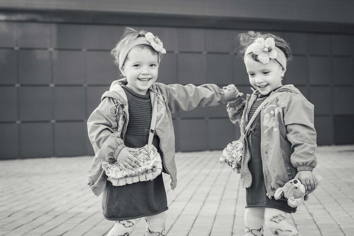 Крошки Маша и Даша - Anna