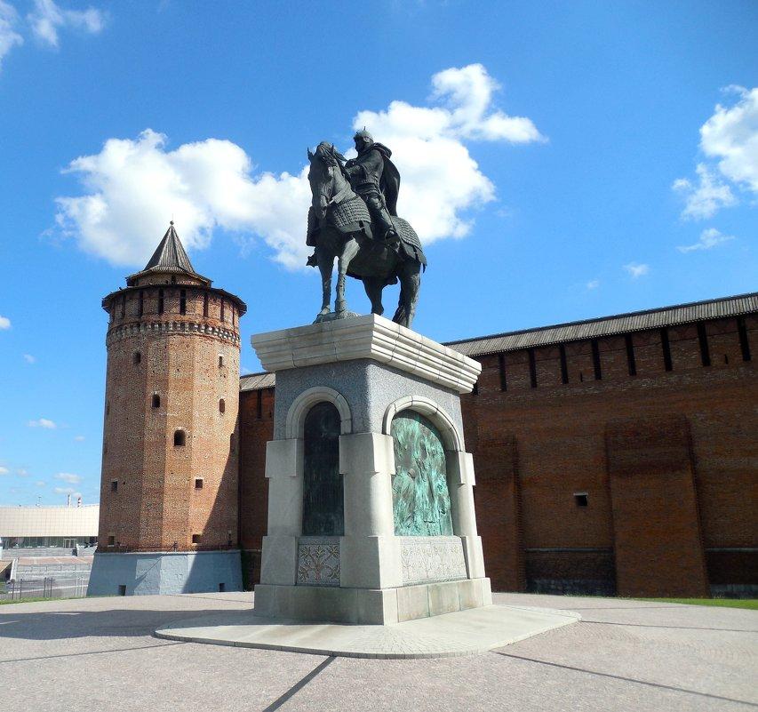 Памятник Дмитрию Донскому - Мила